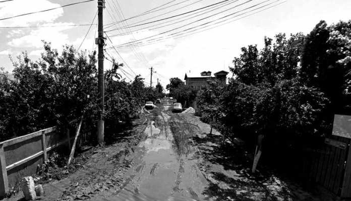 Ulite din Bucuresti noroi periferie