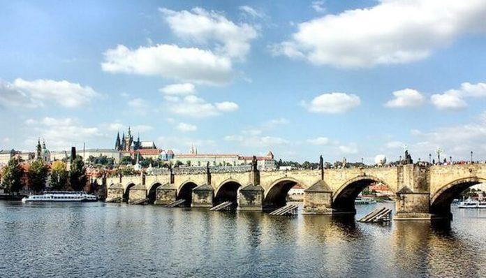 Podul Carol, Praga