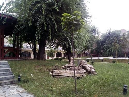 Curtea Muzeului varstelor București