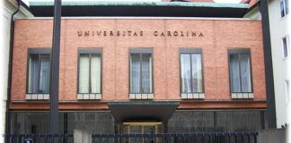 universitatea carolina praga