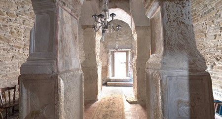 "Biserica ""Sfântul Nicolae"" din Densuș, interior"
