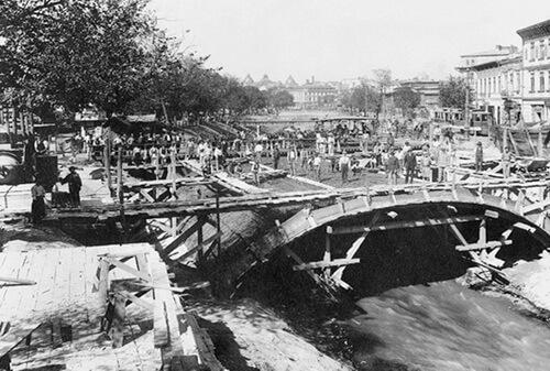Lucrări pe râul Dâmbovița, în București, 1938