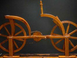 """Obiect din expoziția Mașinile lui Leonardo da Vinci"""", Palatul Suțu, București"""
