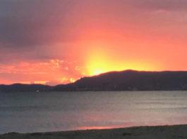 """""""Apus de soare pe Mediterana"""". Fotografie de Pușa Roth"""